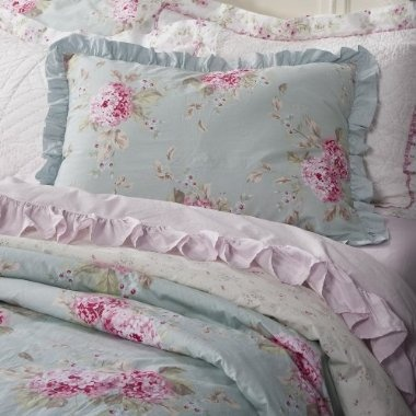 simply shabby chic with hydrangeasi really like this one but i blue shabby chic bedding