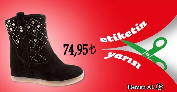 """Ayakkabı Aşkına """"Etiketin Yarısı"""" kampanyamız tüm hızıyla devam ediyor... :) https://www.ayakkabidunyasi.com.tr/bot/canzone/z_ter_bot_c4651_siyah_suet_emts/4152465101260#.UtT-bfRdWsQ"""