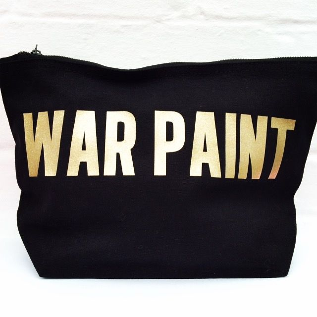 WAR PAINT 'GLITTER GOLD' | Lush Stuff  I NEED THIS!