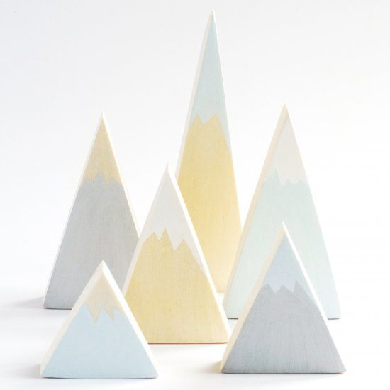 These pastel wooden mountains are both toys and minimalistic, Scandinavian style decoration. Easy step by step tutorial in English + Swedish