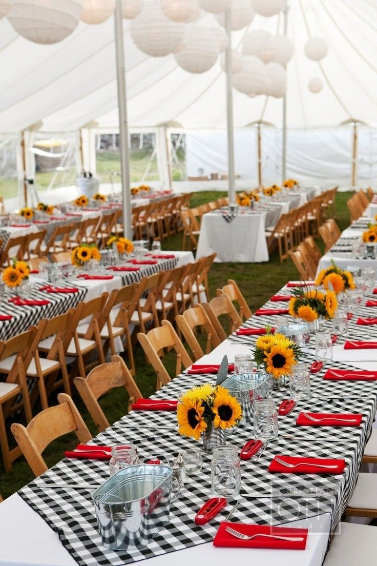 Photography: Christian Oth Studio - christianothstudio.com Tent, Linens + Table Settings: Tilton Tents - tiltontents.com/ Flowers: Island Ambiance - island-ambiance.com/