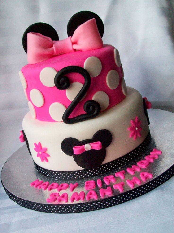 bolo rosa com laço da minnie