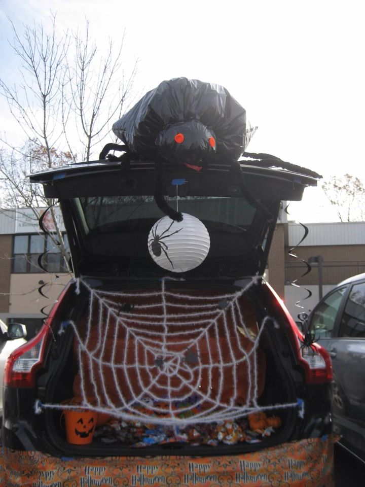 23 best trunk or treat images on Pinterest Halloween prop - trunk halloween decorating ideas