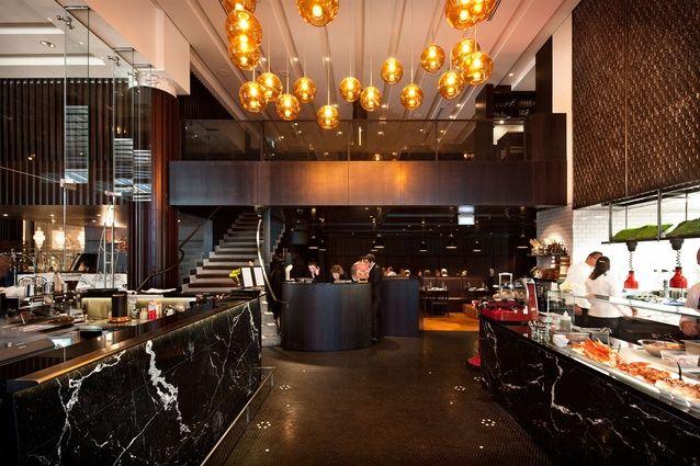 Если вы любите хорошо приготовленное мясо, не отказывайте себе в удовольствии заглянуть хотя бы разок (а лучше почаще!) в The Grill. Лучшее блюдо этого вечера - воскресное жаркое (говяжьи ребра медленной обжарки под соусом бернез, красным вином и йоркширским пудингом). | Окленд - путеводитель по лучшим ресторанам 2015 | Ahipara Luxury Travel New Zealand #новаязеландия #окленд #ресторан #туры #гастротуры #гид #достопримечательности