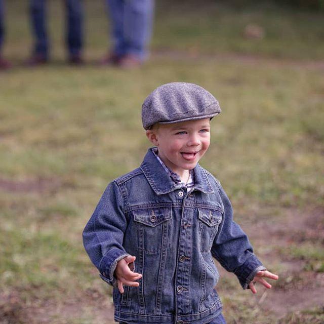 My cousin's little guy is just too cute❤️  .  #familyportrait #familybonds #cousins #toddlers #letthembelittle #childhoodunplugged #candidchildhood #littleandbrave #shootandshare    #Regram via @allisonrutleyphotos