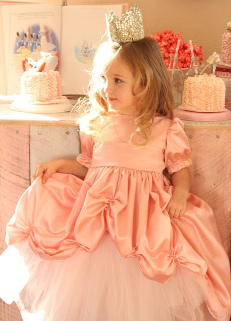 Princess dress bustle
