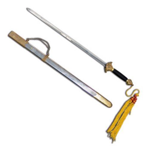 Spada per Tai Chi con lama in acciaio inossidabile (cm 68 ca.) con custodia in acciaio. Impugnatura rivestita in cotone nero.  Lunghezza totale cm 100.