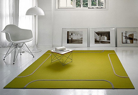 white-interior-design-green-carpet