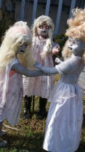 The Conjuring -Anabelle'? Dress dolls as Zombie Kids for scary Halloween Yard Decorations