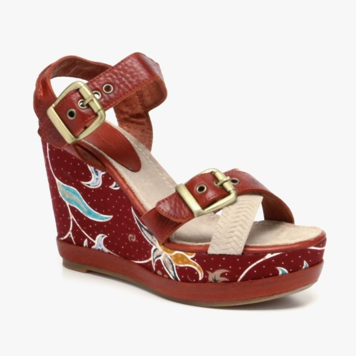love these blackstone wedges. that print is cute, and they look comfy