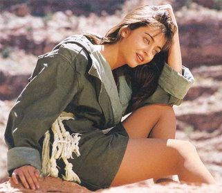 Aishwarya Rai's Rare Photoshoots For Local Ad Campaigns As An Aspiring Model Will Prove That Real Talent And Beauty Can Never Be Hidden From The World For Long