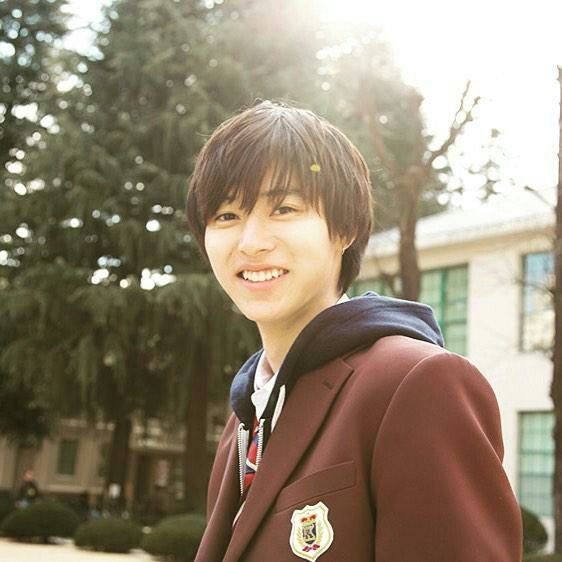 Kento yamazaki. Sweet boy made me feel like I've a child lol I mean I want to take care him as well as I can 😘 I know him from heroine (JP Movie) just as the same as kentaro.