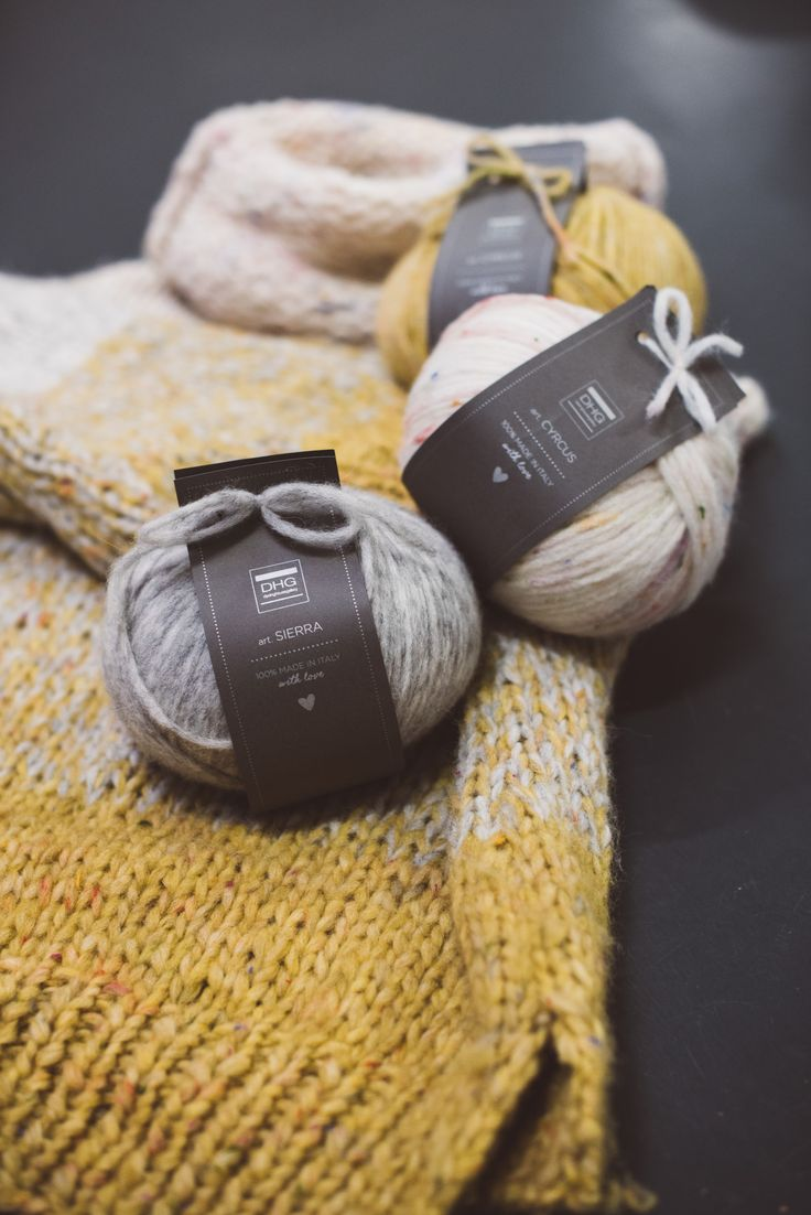 #sweaterday! At DHG we decided to celebrate in the best way possible by creating a warm and super cozy sweater to snuggle up in. We used our Sierra and Cyrcus yarns. What's more? The yarns that have been used are on offer for a whole week! Check out the promotion!