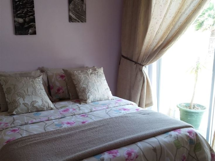 Port Elizabeth Self-catering Apartments - These open-plan apartments each feature a comfortable double bed plus bedding, a kitchenette (with small stove, microwave, kettle, fridge, cutlery and crockery), en-suite bathroom (with shower, toilet ... #weekendgetaways #portelizabeth #sunshinecoast #southafrica