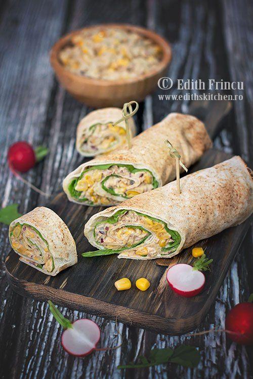Wrap cu salata de ton- Imi plac wrap-urile (sendvisurile in lipie) pentru ca sunt atat de versatile. Le poti face practic cu orice ai la indemana prin frigider sau cu ingrediente
