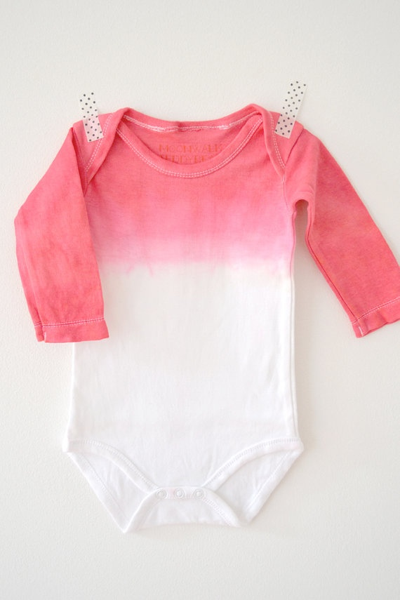 Dip-Dye baby Onesie/Bodysuit. Longsleeve or shortsleeve.