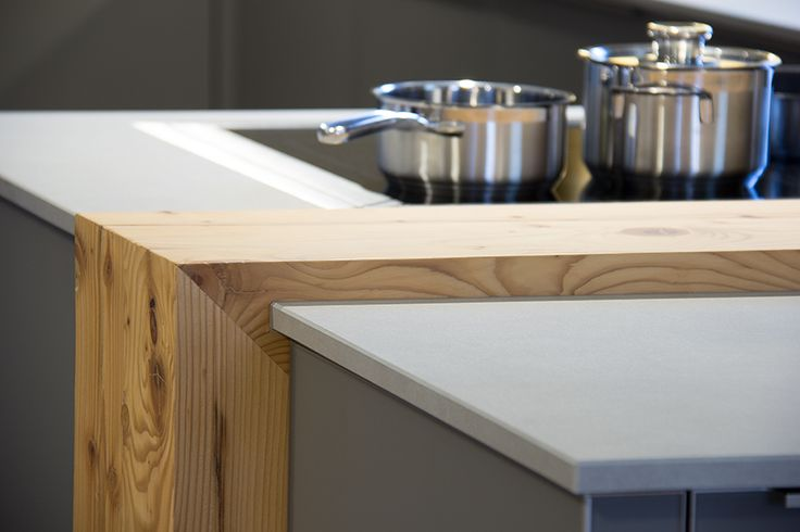 Holzelement Altholz Fichte von Tischlerei Laserer, Steinarbeitsplatte von Strasser Steine