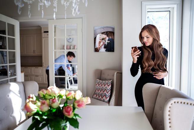 """Fredet frue? Å kritisere businessen til Caroline Berg Eriksen er ikke et bevis på at """"kvinner er kvinner verst"""". I bakgrunnen står Berg Erik..."""