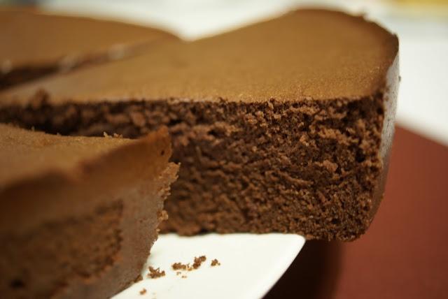 Délicieusement... simple !: Le gâteau léger au chocolat