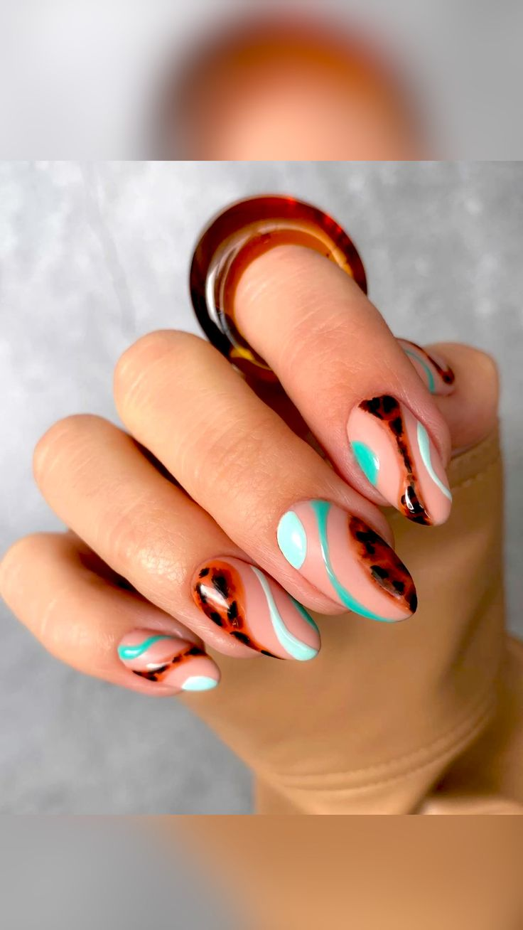 Nail Design Stiletto, Nail Design Glitter, Cute Acrylic Nails, Cute Nails, Gel Nails, Stylish Nails, Trendy Nails, Nail Art Designs, Abstract Designs