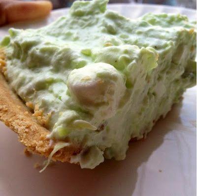 Easy 3 Step Watergate Salad Pie with Graham Cracker Crust #Recipe #Dessert -via @Toni Aladekomo Sanders™