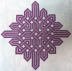 Create custom Celtic designs and patterns for embroidery and machine embroidery!