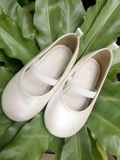 Ivory shoes for girls Toddlers girl shoes Ivory by Happy2sisters