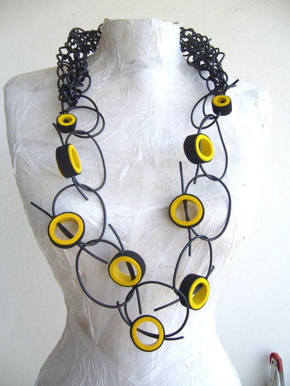 Rubber necklace bee black and yellow /loop necklace avant garde