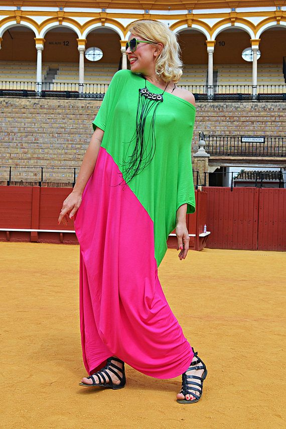 Extravagant Bicolor Kaftan Loose Light Green and Pink Maxi https://www.etsy.com/listing/533693959/extravagant-bicolor-kaftan-loose-light?utm_campaign=crowdfire&utm_content=crowdfire&utm_medium=social&utm_source=pinterest