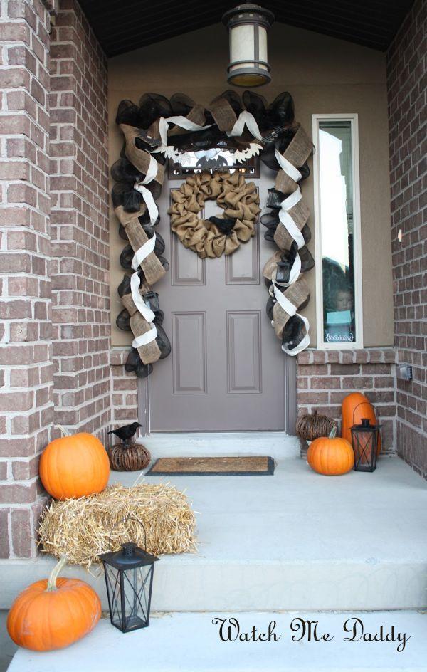 63 best halloween door decorations for 2017 - Beautiful Halloween Decorations