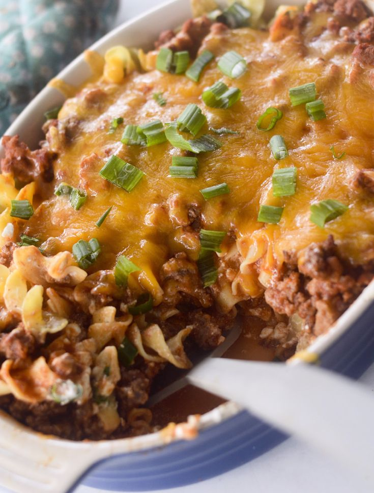 Sour cream noodle bake - cottage cheese, ground beef
