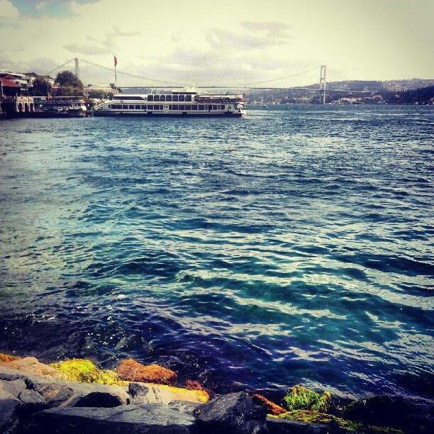 Sade bir semtini sevmek bile bir ömre değer, aziz İstanbul...