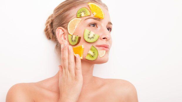 4 tratamente din fructe si legume pentru detoxifierea tenului. Pregateste-te pentru primavara!