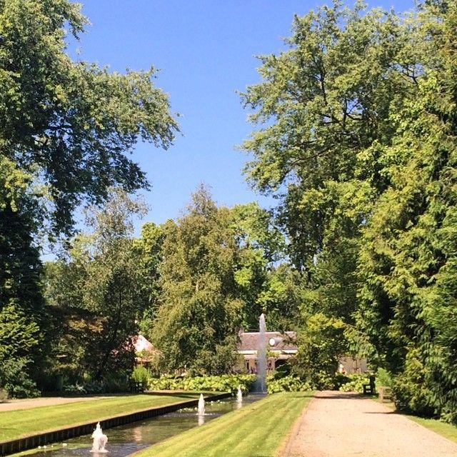 Plaswijckpark / nabij Rotterdam ->  (kost geld! peuters gratis) Alle leeftijden Dierentuin, verkeersplein, zwemplek, speeltuinen. Er is veel te doen!