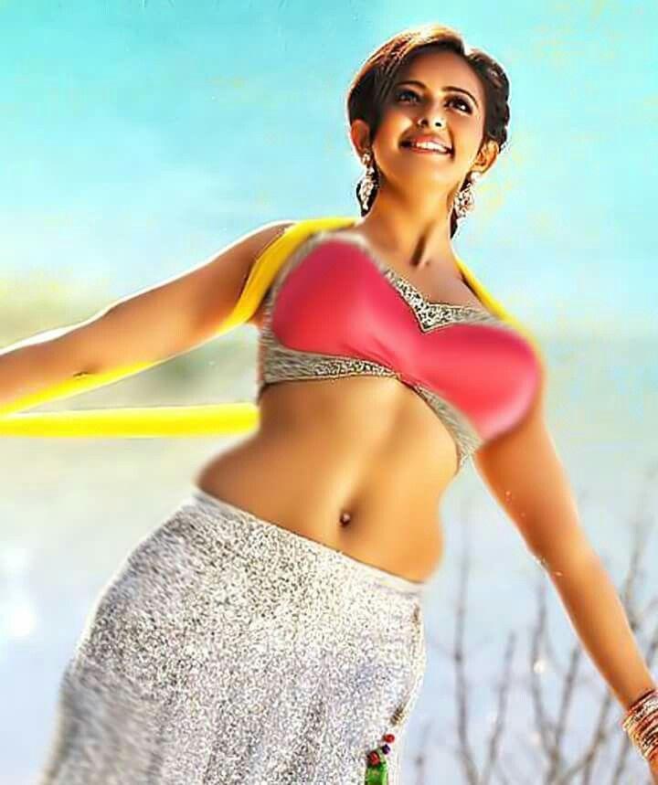 Hot Sexy South Indian Actress Kiara Advani Vertical Photo