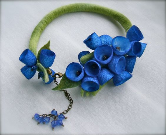 Romantic handmade flowers necklace  felt necklace with by jurooma: