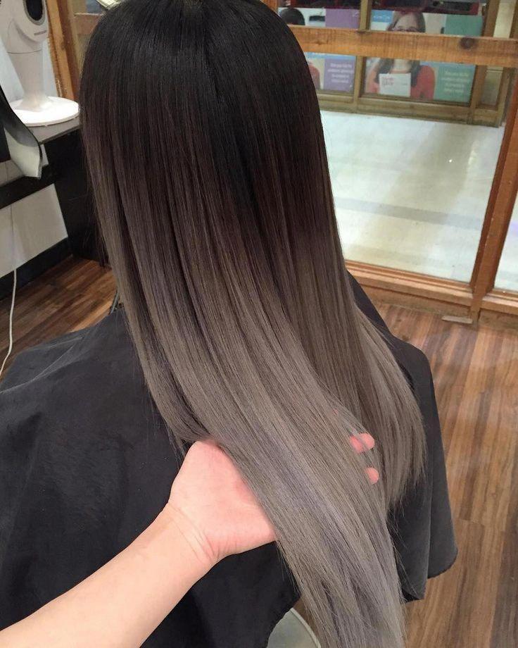 #silver hair highlights simple #άτ #εικόνα #ένα #Η #ίσως #περιέχει #περισσότερα Η εικόνα ίσως περιέχει: ένα ή περισσότερα άτ... Η εικόνα ίσως περιέχει: ένα ή περισσότερα άτομα #brownombrehair #winterhaircolor
