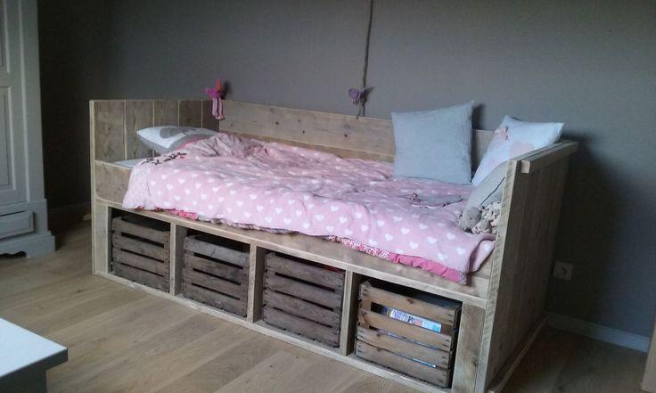 28 best lits pays bois images on pinterest beds With canapé lit bois