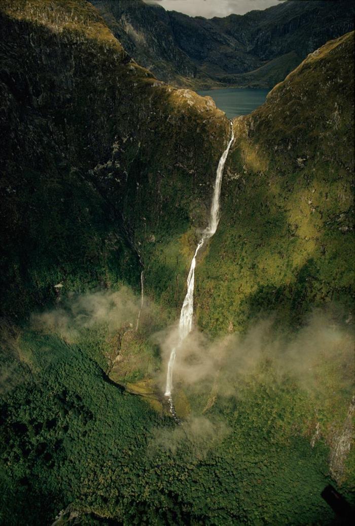 Cascadas y cataratasCascada Sutherland, Nueva Zelanda