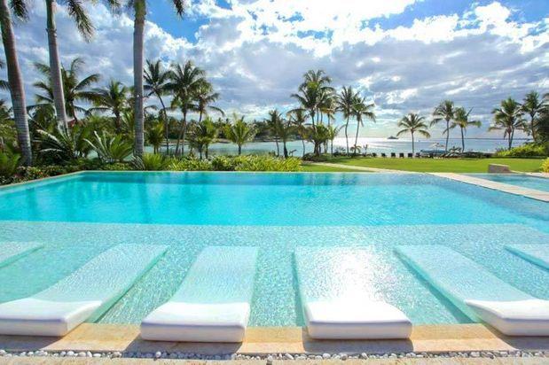 17 melhores ideias sobre borda de piscina no pinterest for Piscina bahia