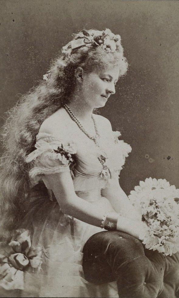 carolathhabsburg:  Polish actress Helena Modjeska. Warsaw, early 1870s.