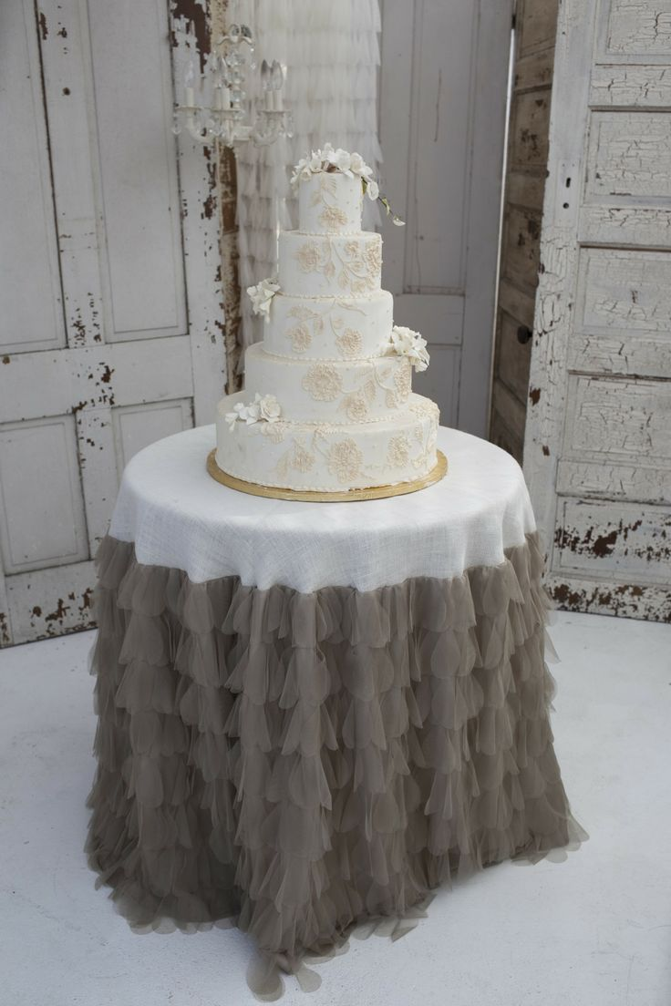 wedding cake table linens 120 best images about wedding cake tables on 26193