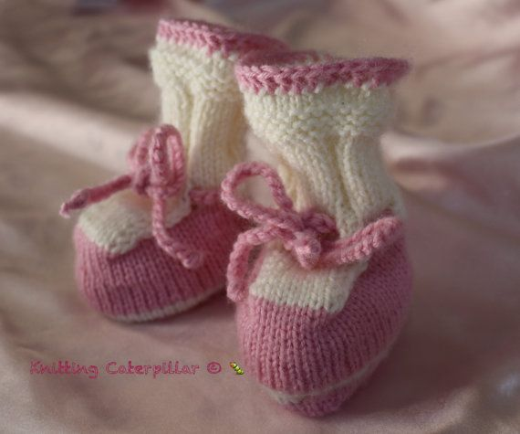 Baby Girl Booties 0-3m ready to ship baby by KnittingCaterpillar