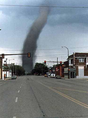 Amazing tornado pictures