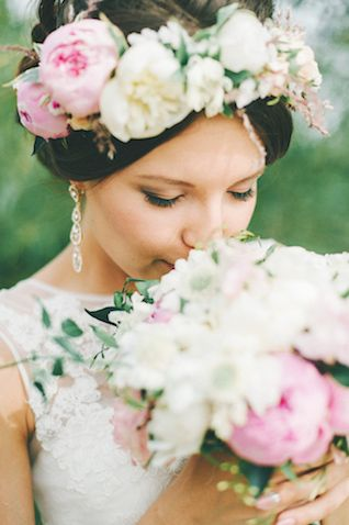 Flower crown | Maria Levitska Photography | see more on: http://burnettsboards.com/2015/01/adorable-russian-wedding/