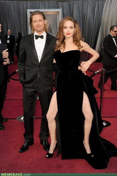 Beautiful Oscar dress Angelina, this is so funny LMAO !