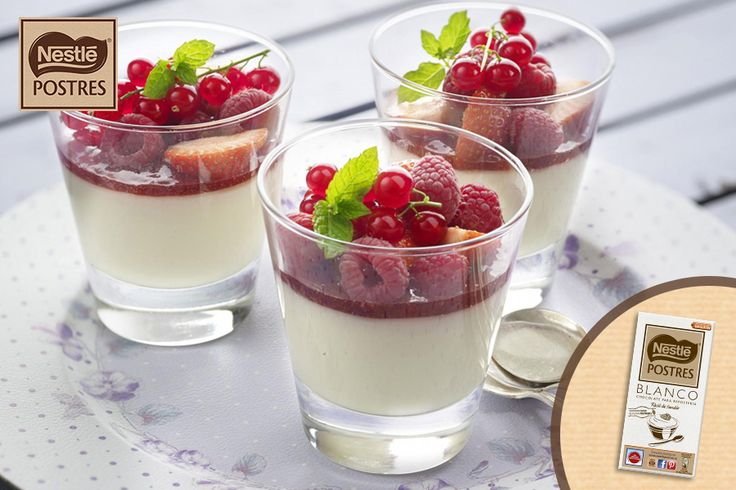 Crema de chocolate blanco y frutos rojos