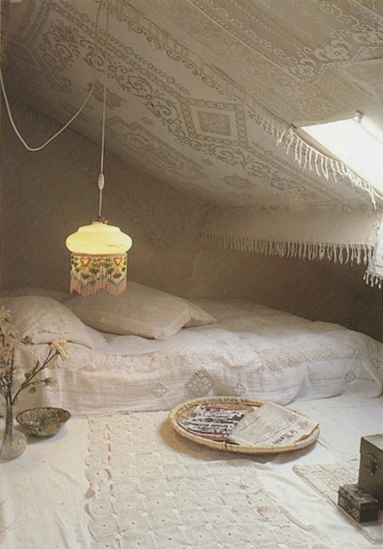 // crochet cave - love this but in colour