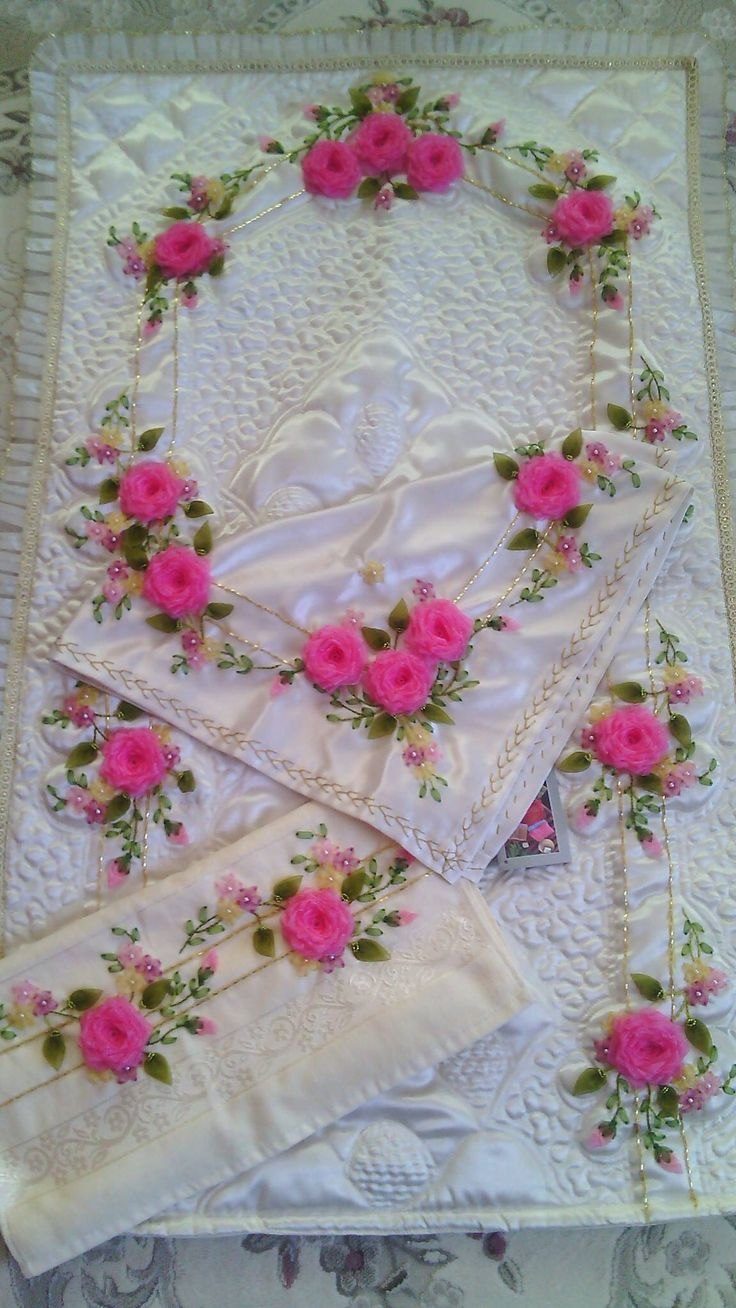 Brazilian embroidery bedspread designs - Facebook