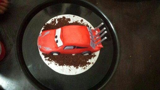 Mcqueen cake.easy piecy!